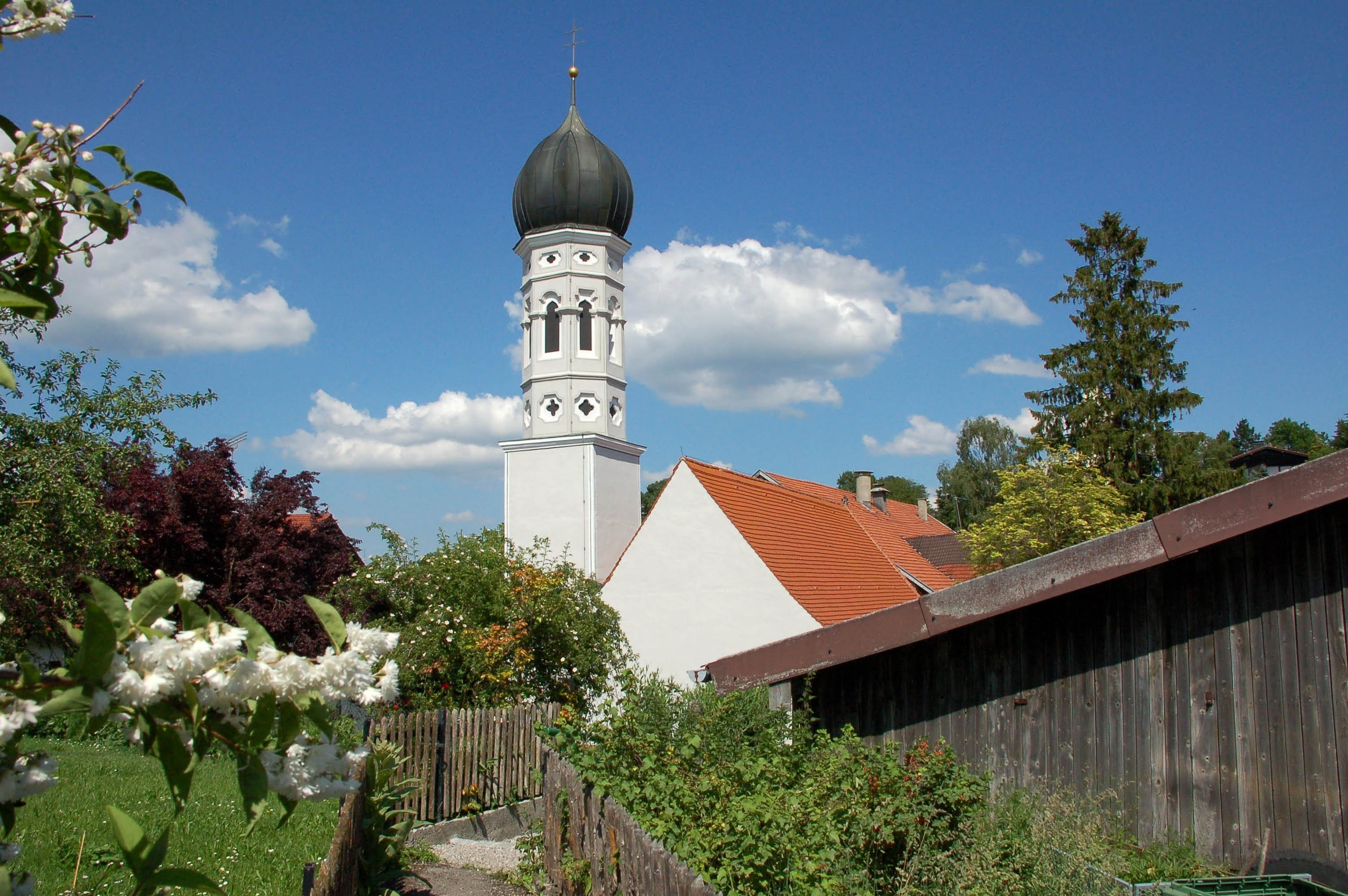 Unsere idyllische Dorfkirche